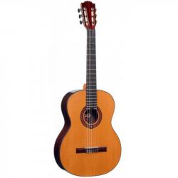 LAG OC300 - Классическая гитара 4/4 Лаг